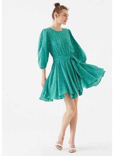 Mavi Çiçek Baskılı Yeşil Elbise Yeşil